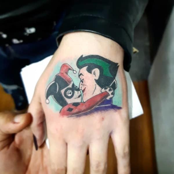 Tatuagem Arlequina com Coringa