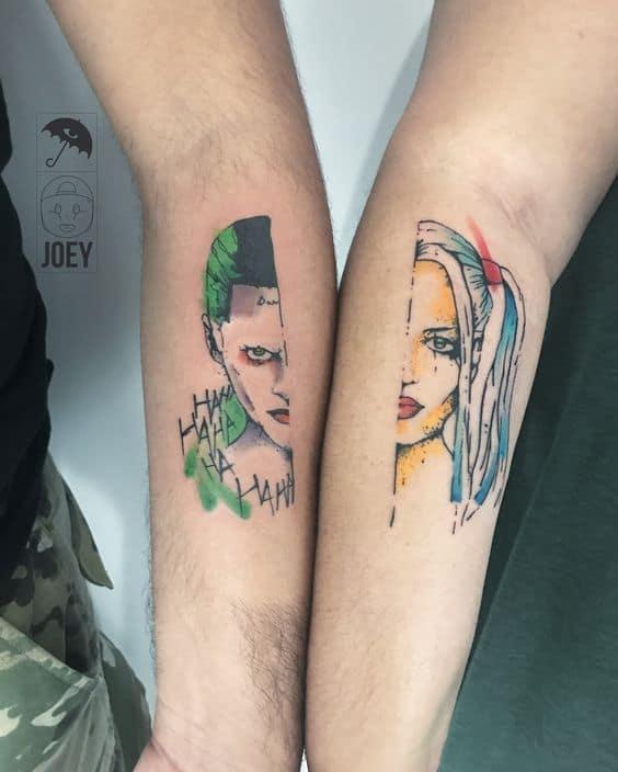 Tatuagem Arlequina e Coringa braço