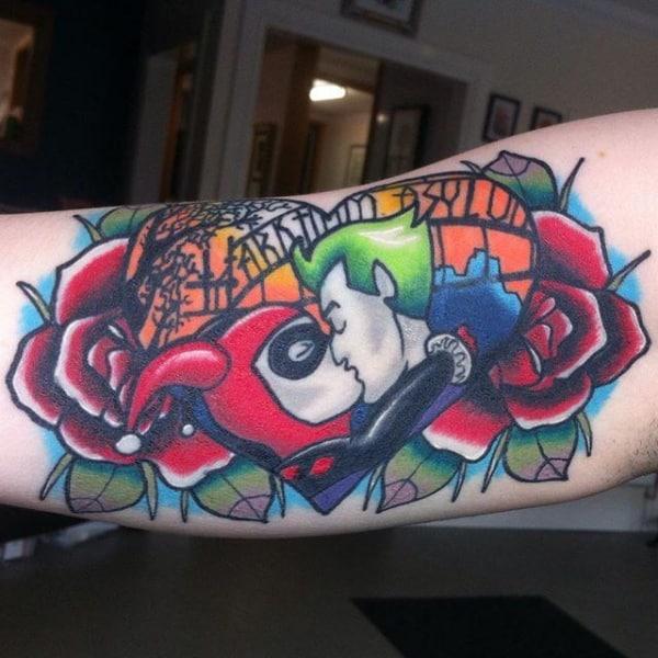 Tatuagem Arlequina e Coringa colorida
