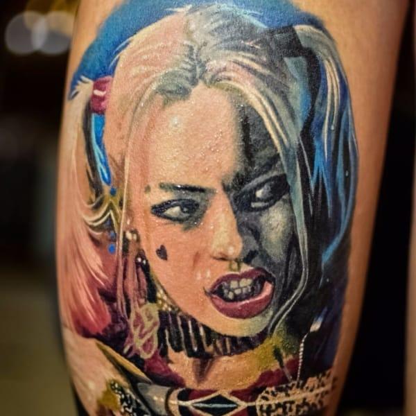 Tatuagem Arlequina grande