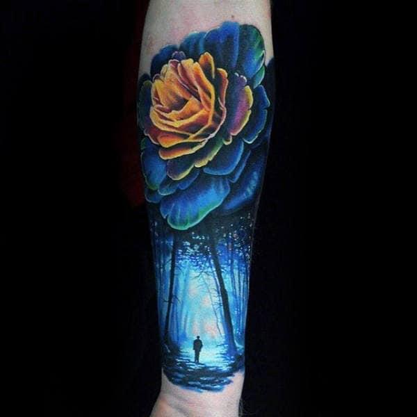 Tatuagem colorida masculina no braço