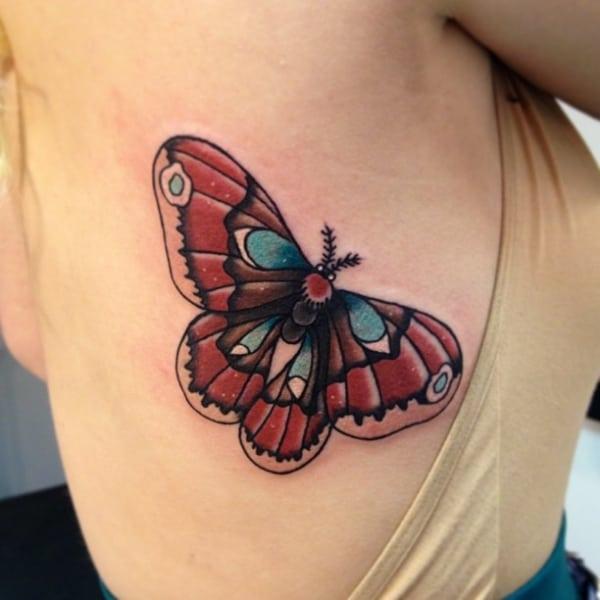 Tatuagem de Mariposa colorida