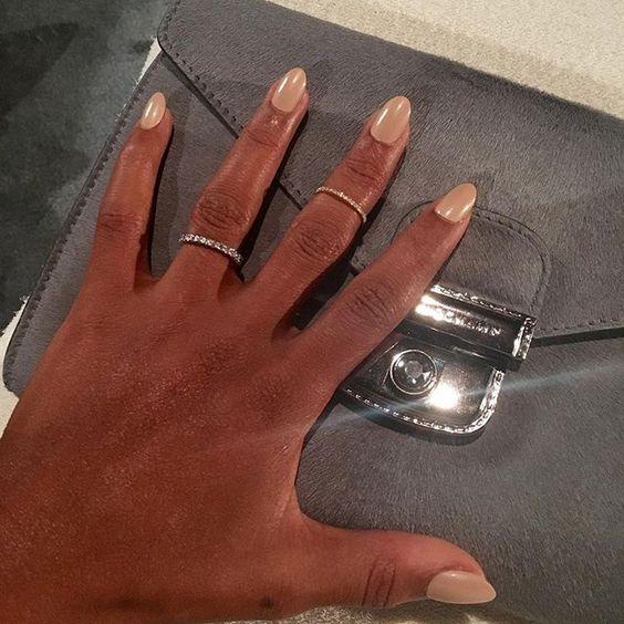 Unha nude cor da pele