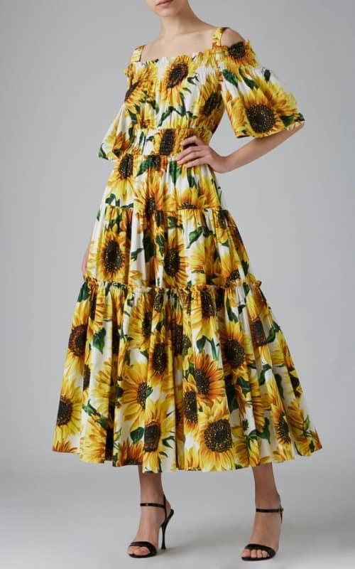 Modelo de vestido bem diferente