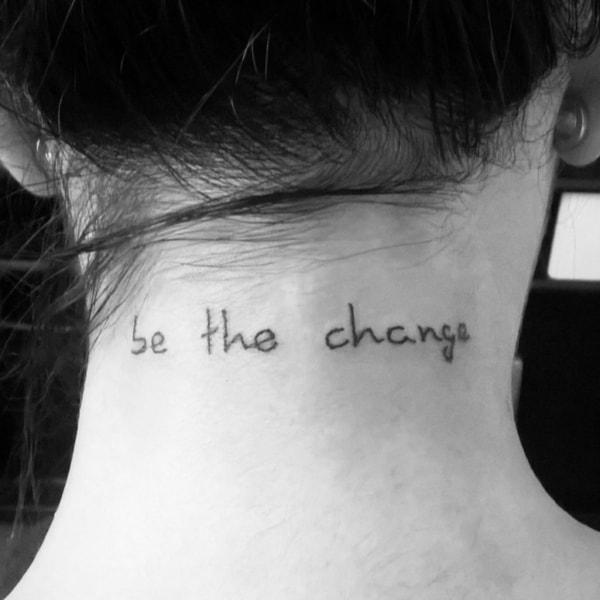 ideias de tatuagem na nuca escrita