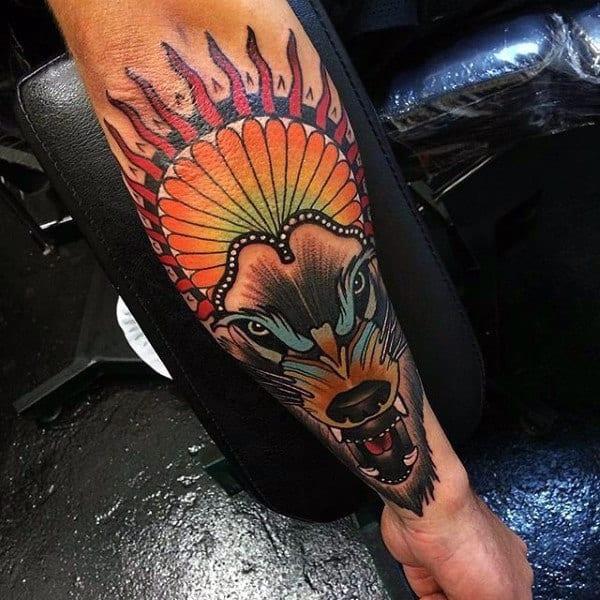 tatuagem colorida de lobo