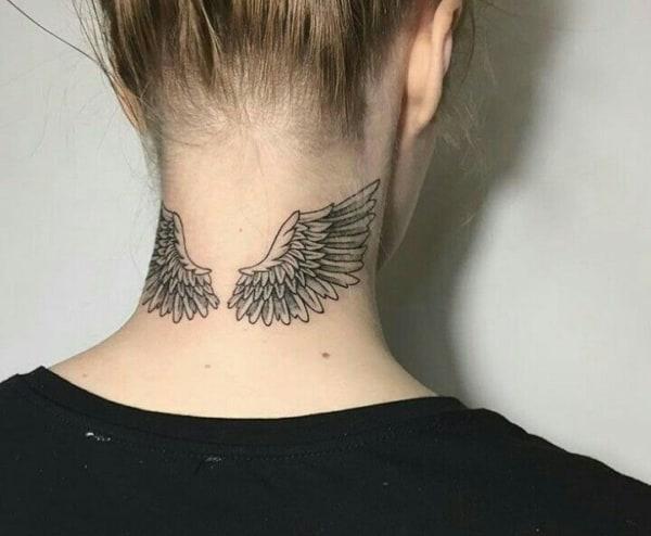tatuagem de asas na nuca ideias