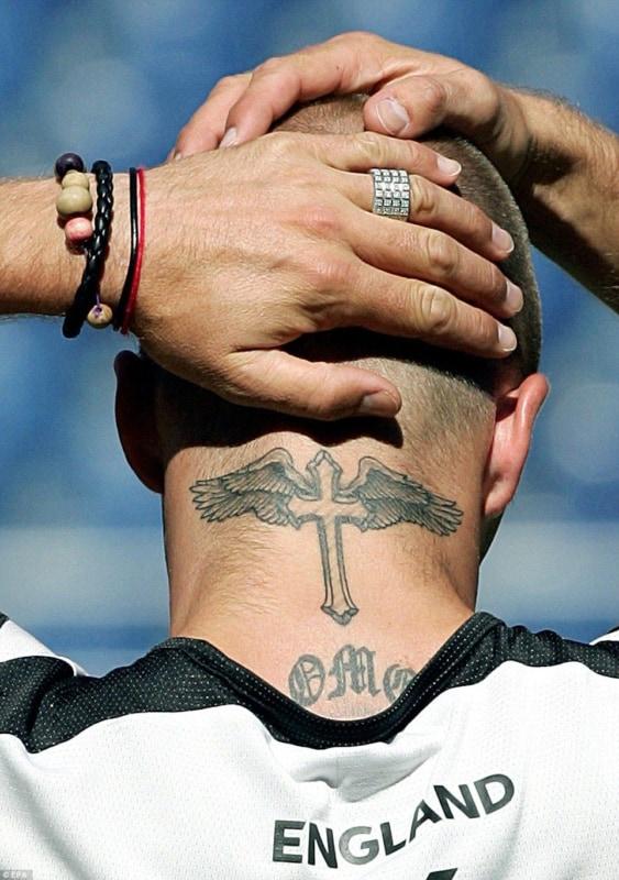 tatuagem do Beckham na nuca