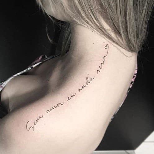 tatuagem feminina com frases 22
