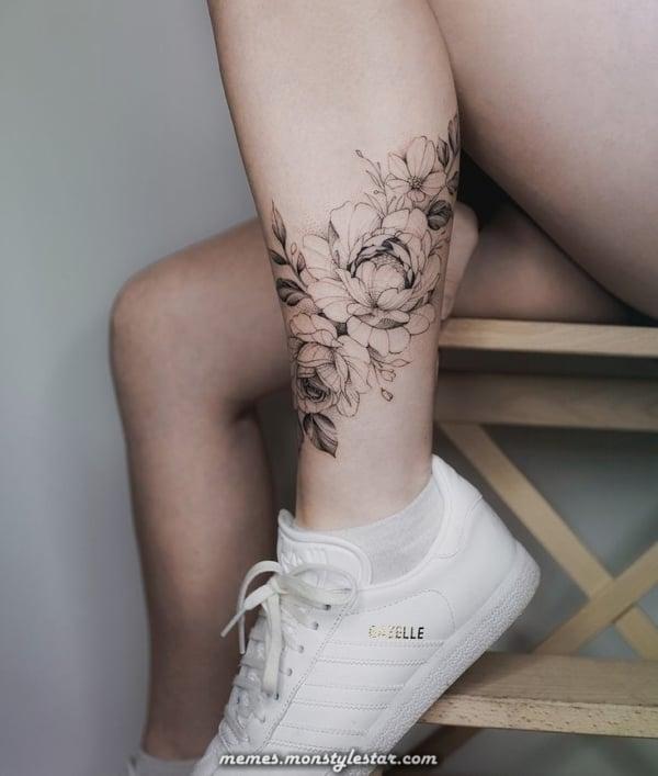 tatuagem feminina na coxa 28