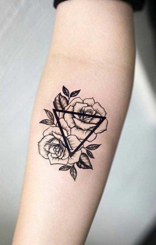 tatuagem feminina no antebraço 25