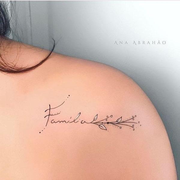 tatuagem feminina pequena e delicada 12