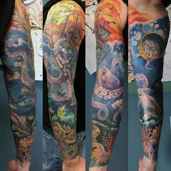 tatuagem fundo do mar no braço colorida