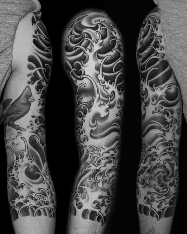 tatuagem fundo do mar sombreada tribal