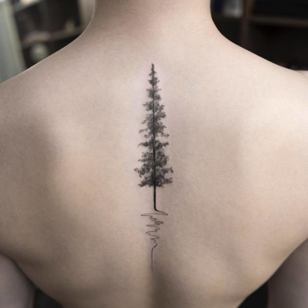 tatuagem na coluna arvore