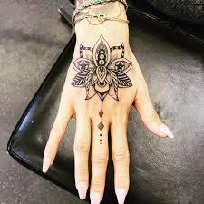 tatuagem na mão 48