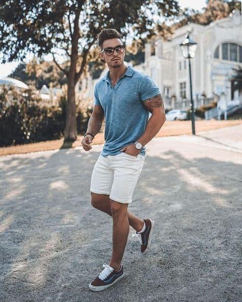 look casual masculino com bermuda e tênis