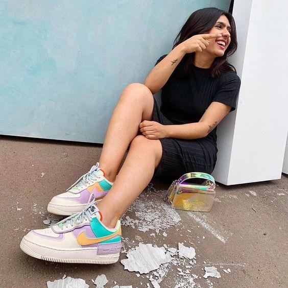 look Tumblr com tênis colorido da Nike