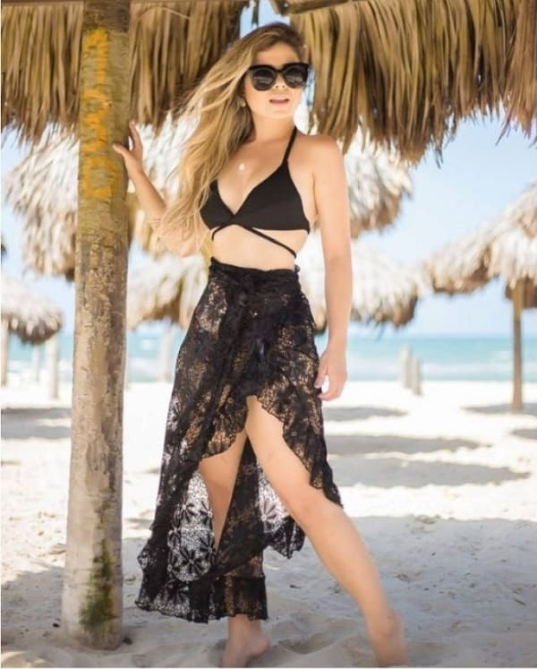 como usar saia pareô de renda no look praia