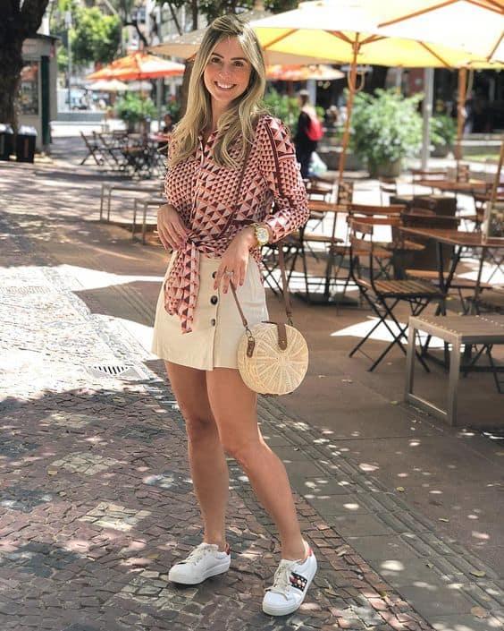 look para churrasco de dia com short saia e tênis