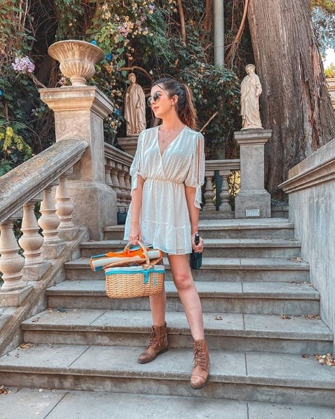 look blogueira com vestido e coturno