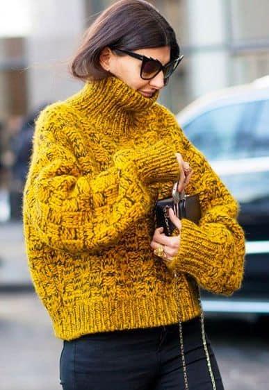 Pulôver de crochê amarelo