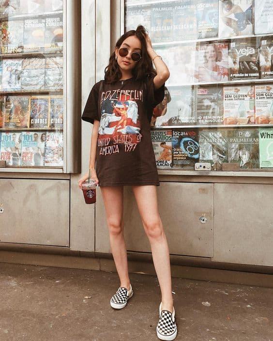 T shirt maxi com slip on feminino xadrez preto e branco