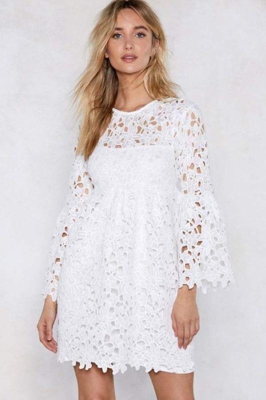 Vestido branco de renda 26