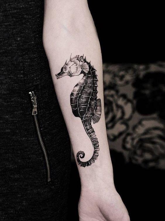 linda tatuagem cavalo marinho 1
