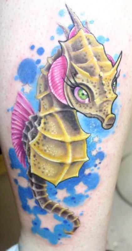 linda tatuagem cavalo marinho