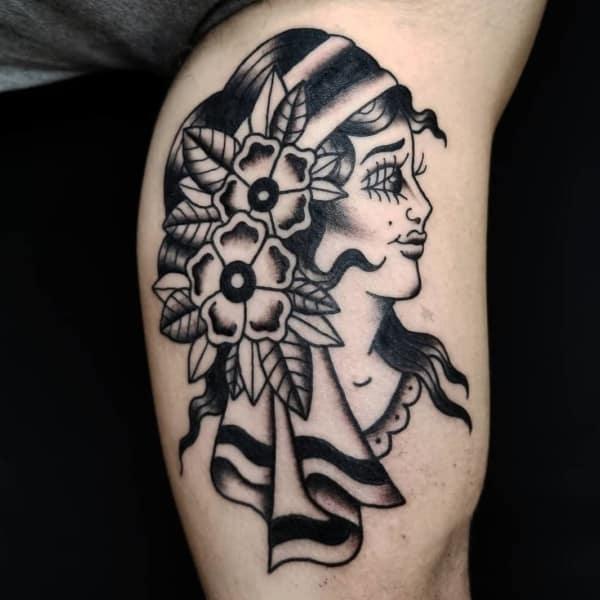 tatuagem cigana preta