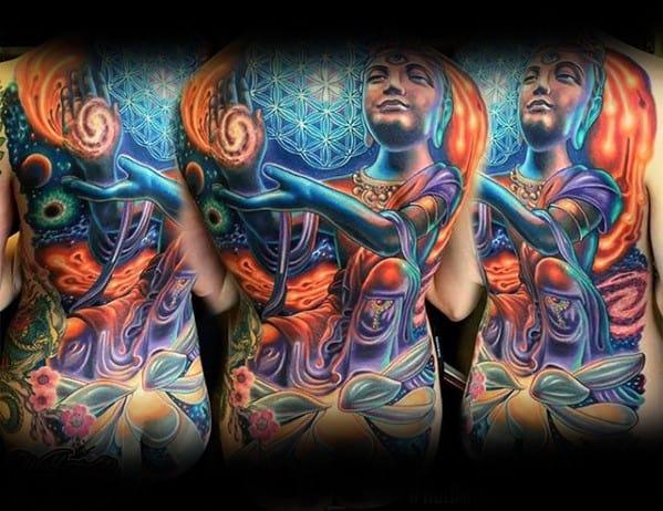 tatuagem psicodélica nas costas