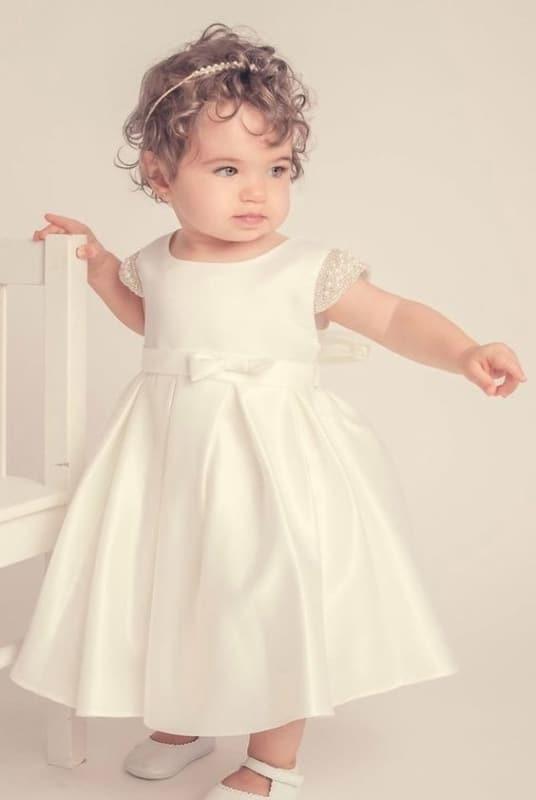 modelo de vestido rodado para batizado de bebê menina