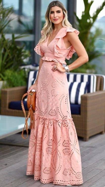 look para madrinha de batismo com vestido rosa longo
