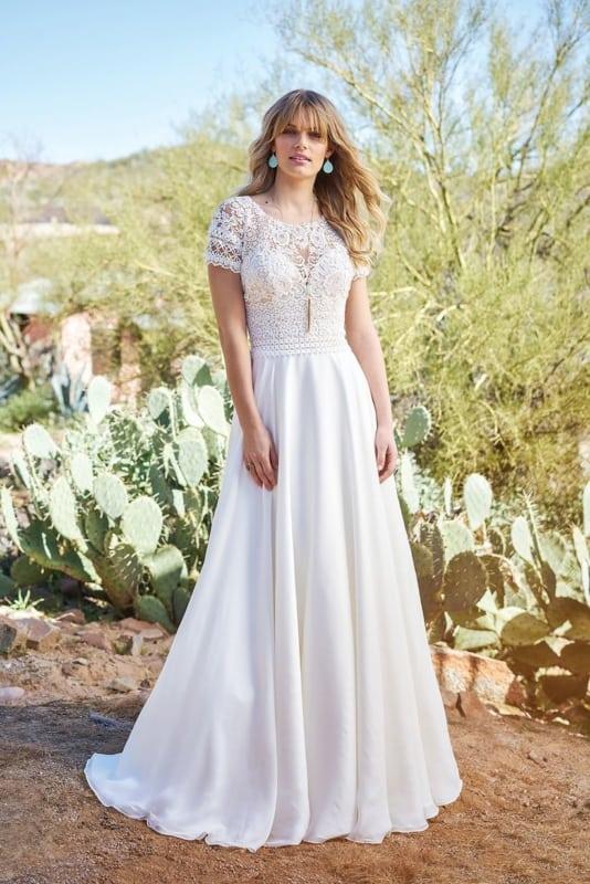 modelo de vestido de noiva evasê com manga curta