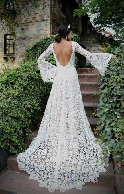 vestido de noiva em renda guipir com manga flare