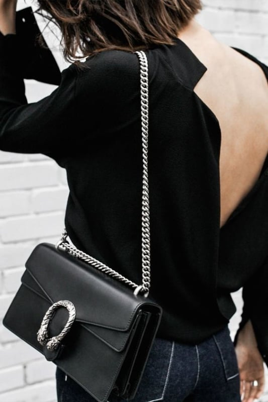look com bolsa preta com corrente