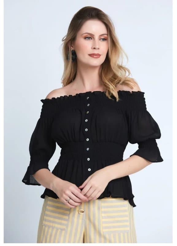 estampa estilo blusa ciganinha preta