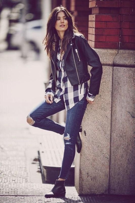 estilo retro camisa xadrez com calça jeans