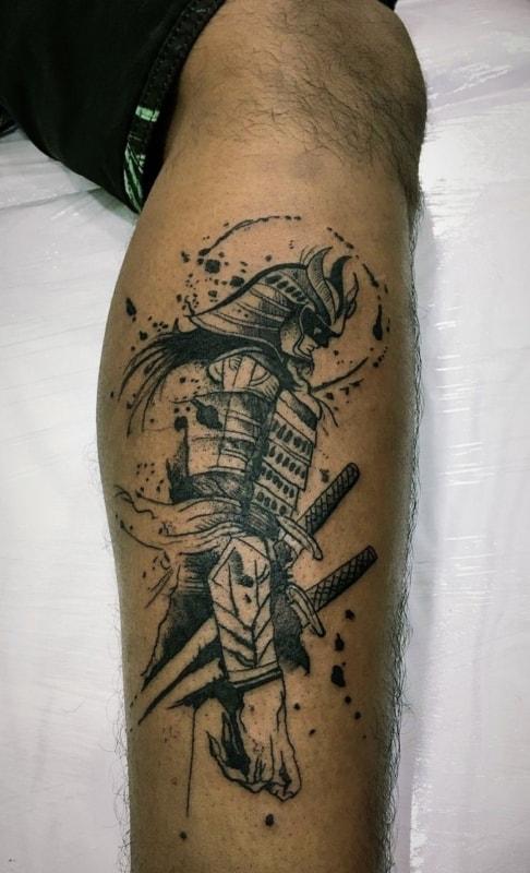 samurai rascunhado na pele