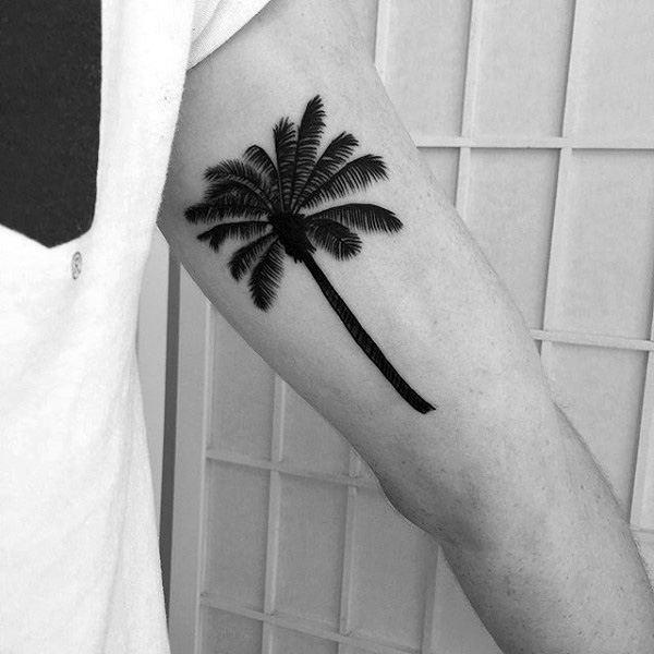tatuagem de coqueiro preta 1