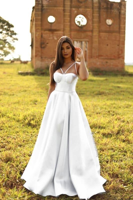 vestido de noiva estruturado em tafetá