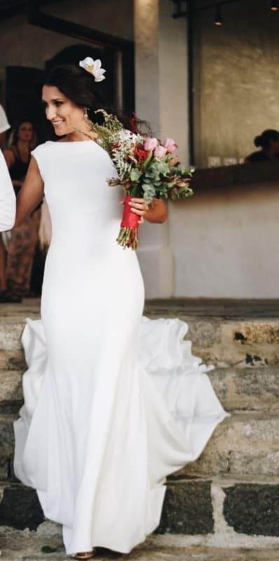vestido de noiva minimalista em crepe