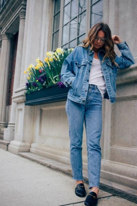 34 look com calça mom vintage e jaqueta jeans