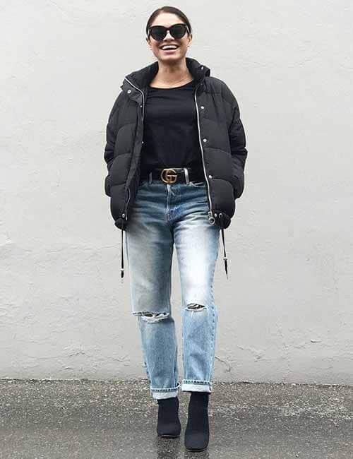 look de inverno com calça mom jeans destroyed