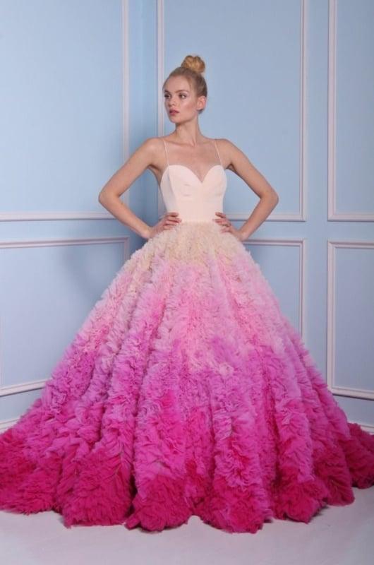 noiva com vestido rodado degradê pink