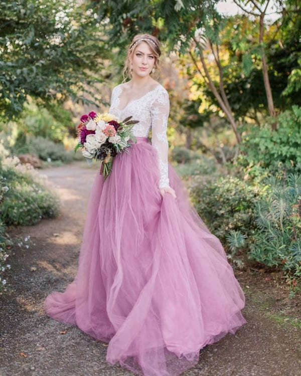 vestido de noiva branco e rosa com saia de tule