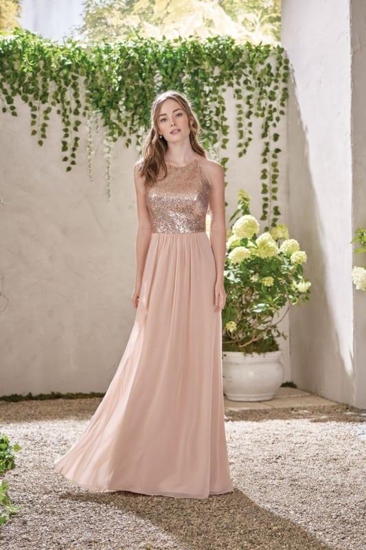 noiva com vestido rosé gold simples