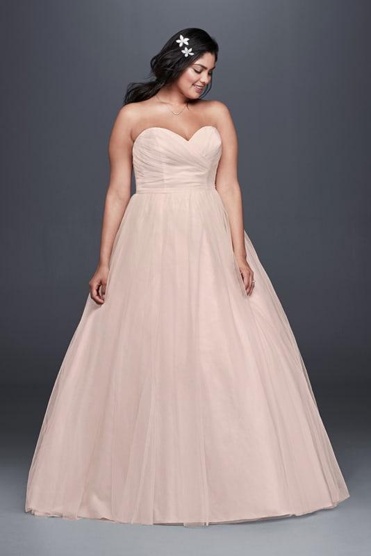 vestido de noiva rosa rodado e simples