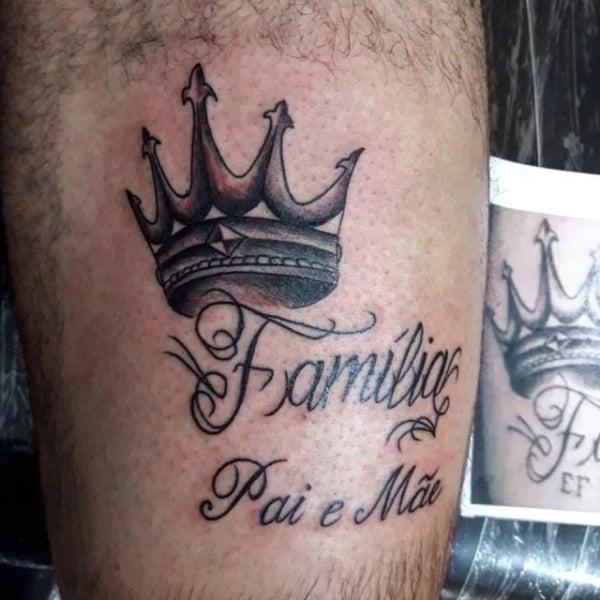 tatuagem com coroa para pai e mãe